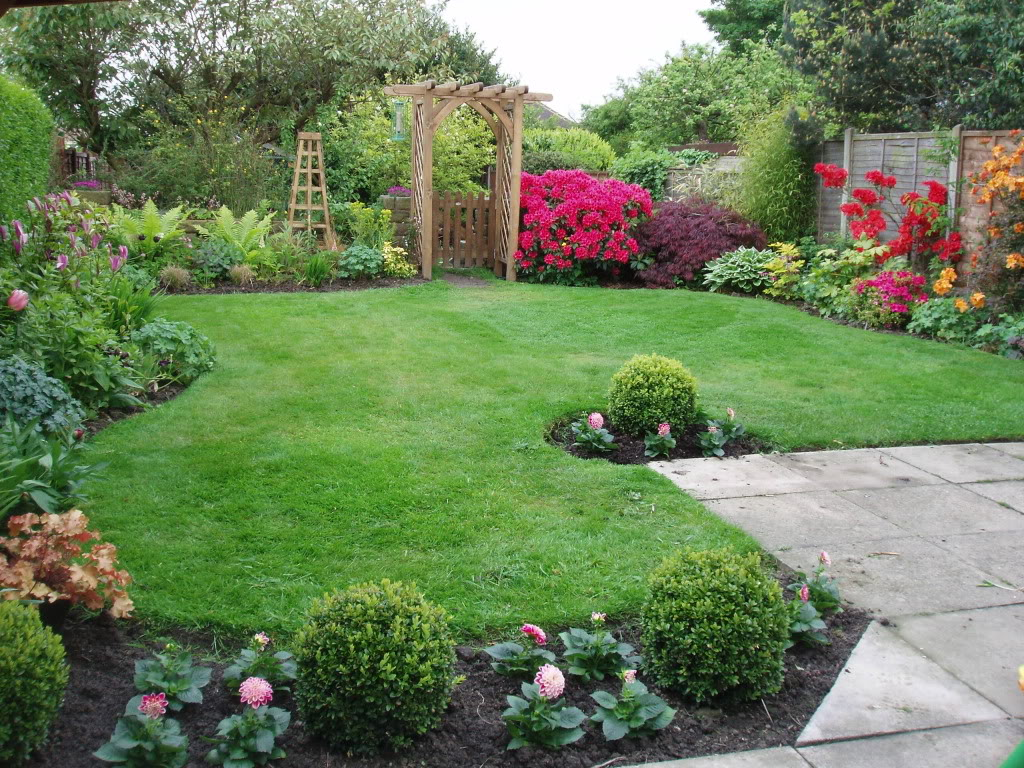 Front Yard Border Designs: Garden Borders
